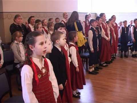 Смотреть видео В Вентспилсе отмечали фольклорный фестиваль