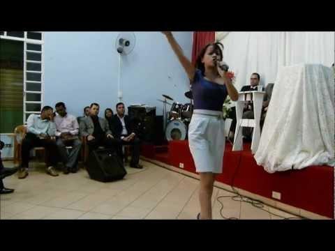 Pré-Congresso UMELF 2012 - Karol (Tem coisas que só Jesus faz)