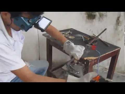maquina de soldar casera con agua y sal.