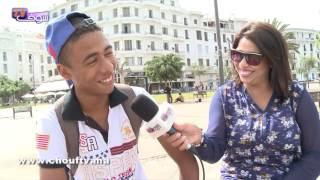 الموت ديال الضحك:المغاربة ترجمو مَثل اللي زين زين واخا يمشي الحمام من الاثنين لي الاثنين بالفرنسية | مثل فشي شكل