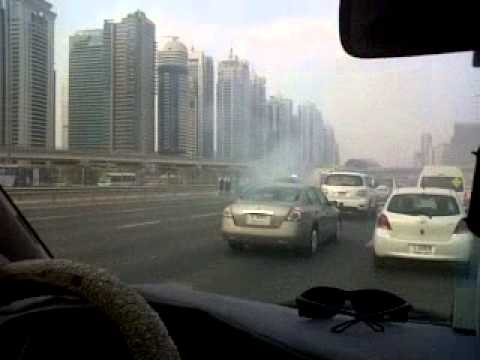 accident at shiekh zayed road dubai 28-8-2013