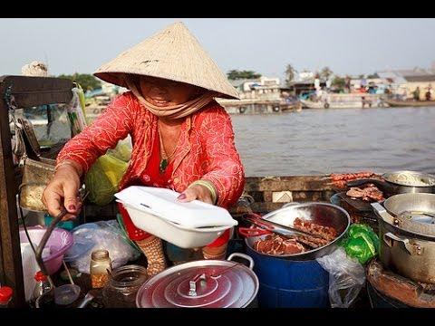 Vietnam street food, Vietnamese street food Banh Trang Nuong, Vietnam travel 2013