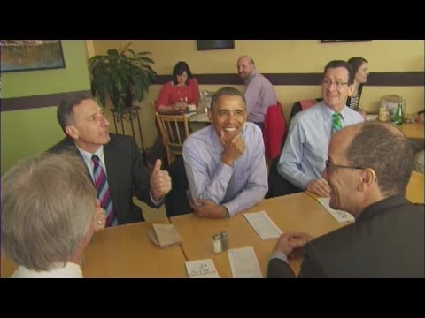 Obama eats at New Britain cafe