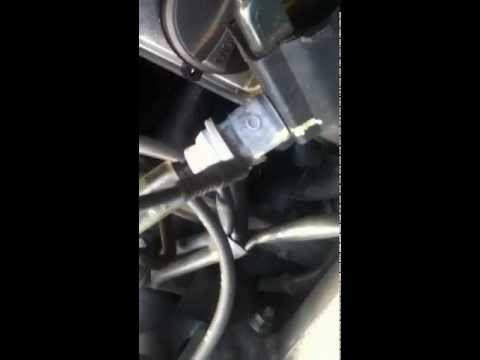 Прошивают катушки зажикания на двигателе 1JZ-GE