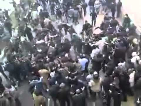 People subdue regime's forces, emerging footage from December 27, 2009