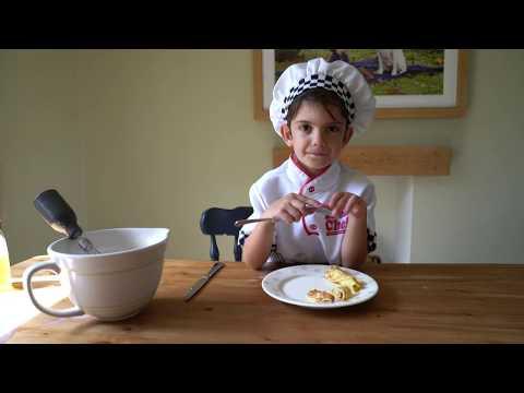 JOEY makes Pancakes!
