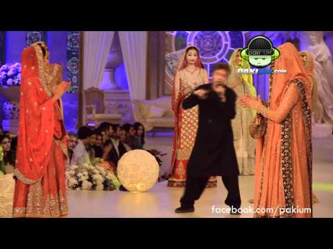 Alamgir's performance at Bridal Couture Week 2012, http://facebook.com/pakium Pakistani Pop Singer Alamgir performed and danced so well at Bridal Couture Week 2012.