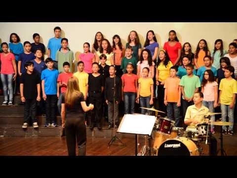 Escola de Música - Canto Coral - Mulher Rendeira - Folclore Brasileiro