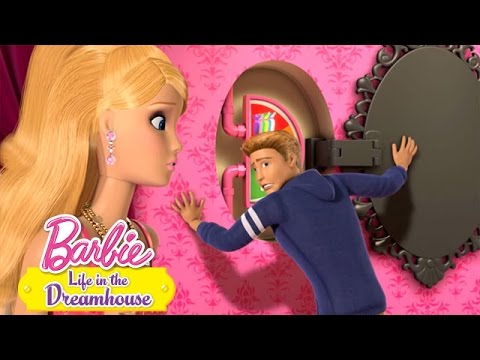 Life in the Dreamhouse -- Closet Clothes Out | Barbie