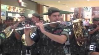 Semana Do Exército Em Porto Alegre: How Deep Is Your Love