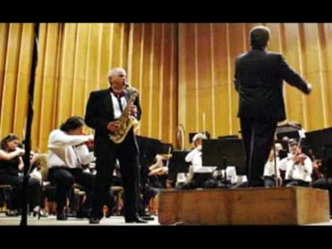 Miguel Villafruela interpreta el 2do movimiento (Lento) del Concierto de Bienvenido Bustamante