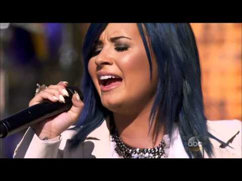 Demi Lovato - Let It Go - Live @ Disney Park Christmas Day Parade 2013