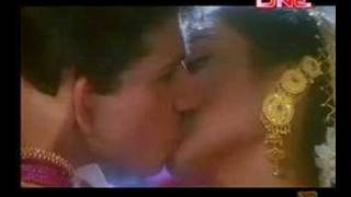Rani Mukherjee Smooch From Raja Ki Ayegi Barat