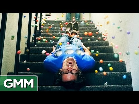 500 Bouncy Balls (Slo-Mo)