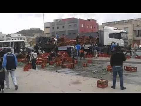 image vidéo حادث شاحنة يفرح متساكني الورديّة