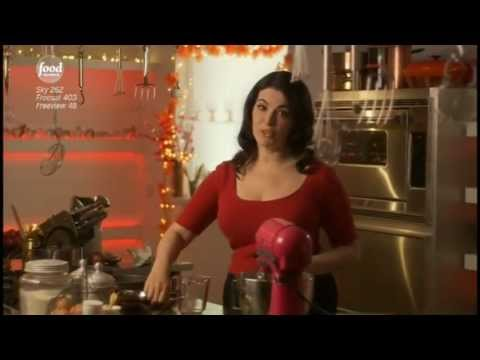 Nigella Kitchen.(30 Sept.2012) The Food Network - Steph McG loves Kake.