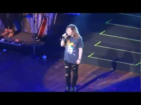 Demi Lovato - Give Your Heart a Break + Unbroken (São Paulo - 30/04/12) - HD