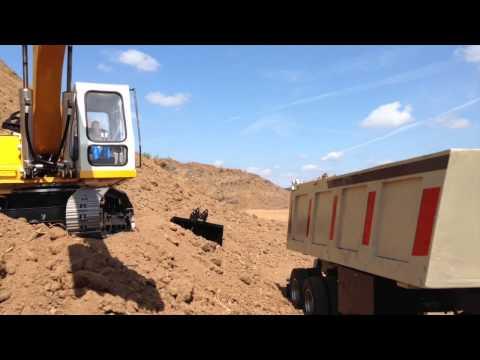RC Excavator Liebherr 944 und Scania