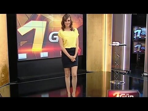 Simge Fıstıkoğlu Beautiful Turkish Tv Presenter 21.06.2012
