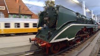 Dampflok 18 201 Parallelfahrt Spur 0 Modelleisenbahn im Verkehrsmuseum Dresden