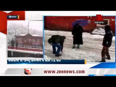 Heavy snowfall shuts Srinagar-Jammu highway