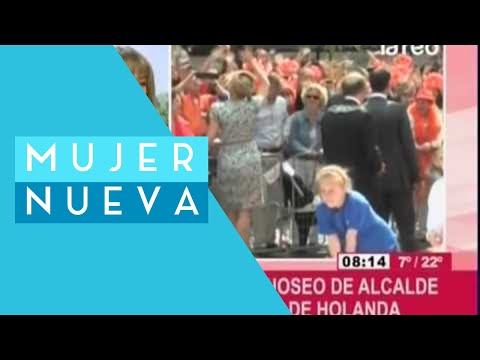 Polémica por manoseo de alcalde a reina Máxima de Holanda