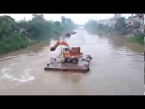 Amazing Rotation crane Viet Nam Vo Doi