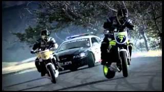 Motos Vs Auto De Policía.flv