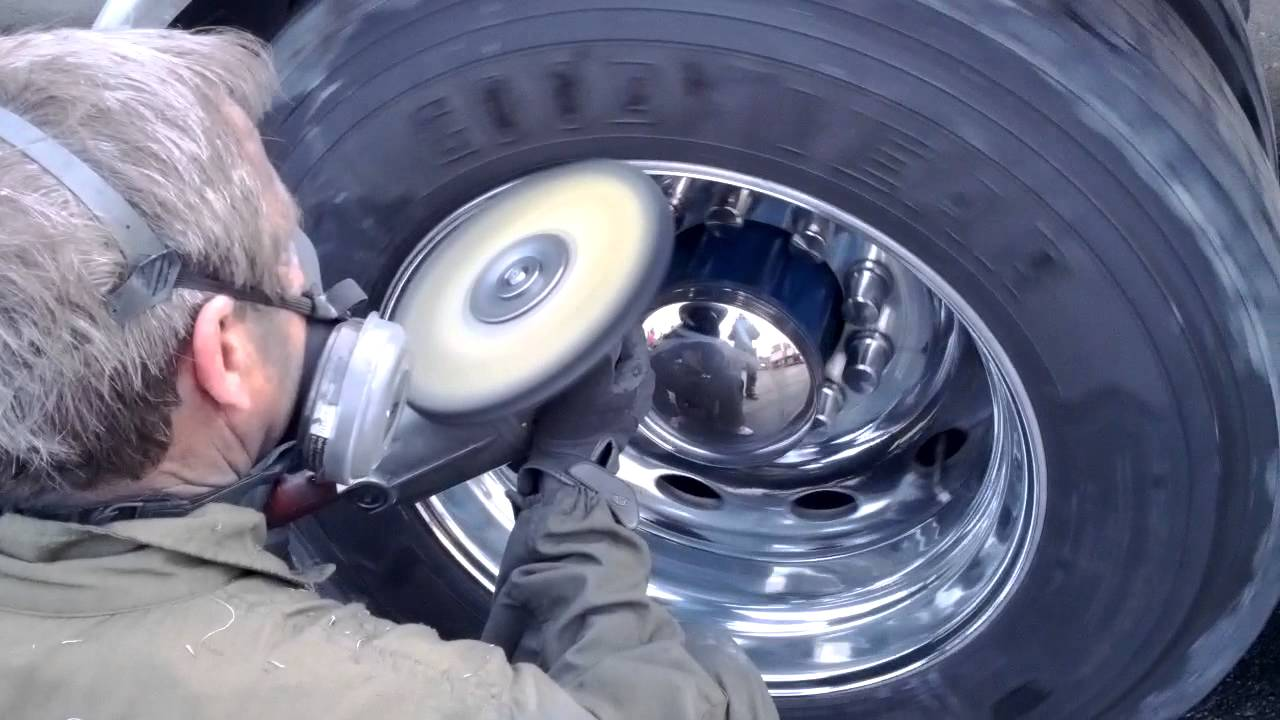 aluminum rim polishing drive on the truck youtube. Black Bedroom Furniture Sets. Home Design Ideas