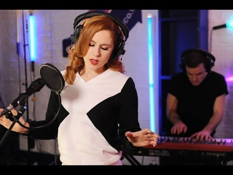 Katy B performs #Kisstory anthem 'Flowers'