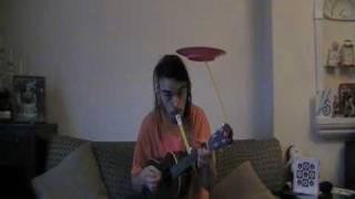 Main guitar sambil aktraksi dengan piring, Unik banget, ini baru namanya bakat uniq