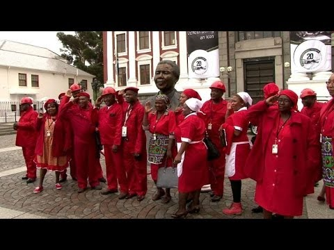 Radicals in red shake up S.Africa parliament opening