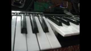 Reparar la tecla de un piano eléctrico