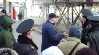 Altercații verbale cu polițiștii la o piață second hand #Chișinău