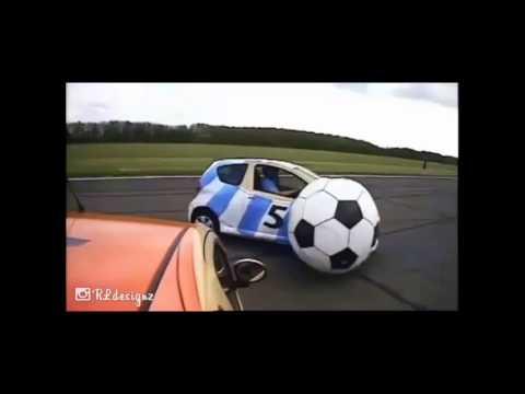 Đá bóng bằng xe ô tô