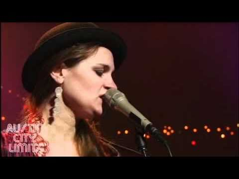 Madeleine Peyroux with Pat Bergeson - Instead (Austin City Limits)