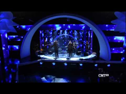 Adele and Darius Rucker - Need You Now (CMT Artists Of The Year 2010)