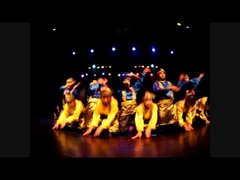 Tari saman (Indonesian dance)