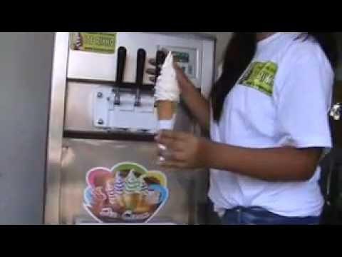 MAQUINA DE HELADOS SOFT (CREMA) - ICE RIKKO