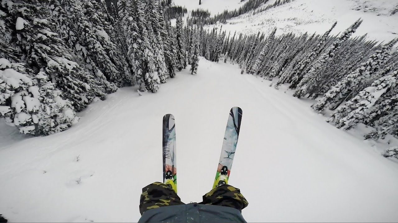 Tanner Hall fait un double backflip