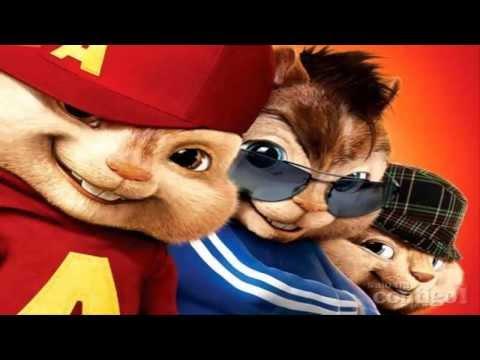 Alvin e os Esquilos cantando o Hino do Galo