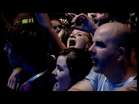 Thumbnail of video Oasis - Half The World Away - Live At iTunes Festival 2009