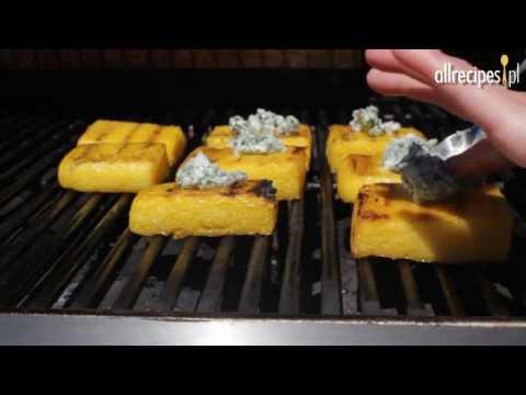 Jak zrobić grillowaną kaszkę kukurydzianę z błękitnym serem