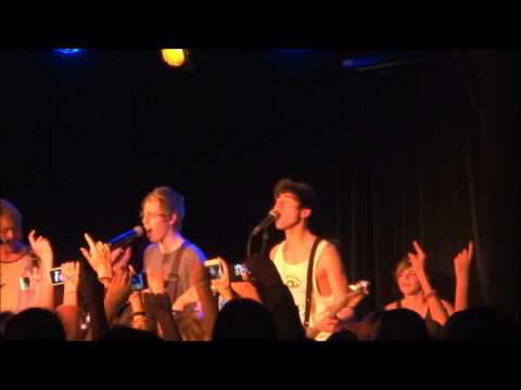 5 seconds of summer - tonight, tonight (hot chelle rae cover)
