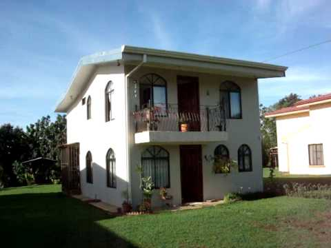 Casa para la venta en san isidro de el general 2890 for Fachadas de casas de 2 pisos con balcon
