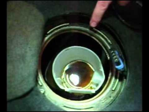 Sacando Bomba Nafta Tanque Chapa Mpg Youtube