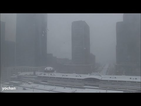 High angle -  Heavy snowfall warning in Tokyo Station (Feb. 8, 2014)  大雪警報が発令中・東京駅(八重洲口側)
