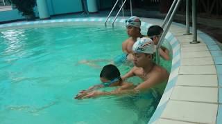 Cách dạy cho trẻ em học bơi đúng cách