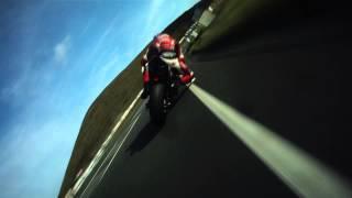 IOMTT 2014: W.Dunlop se honí s Ian Hutchinsonem