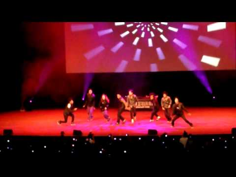 Quest Crew performing in Melbourne, Australia (26 January 2011) Part 1
